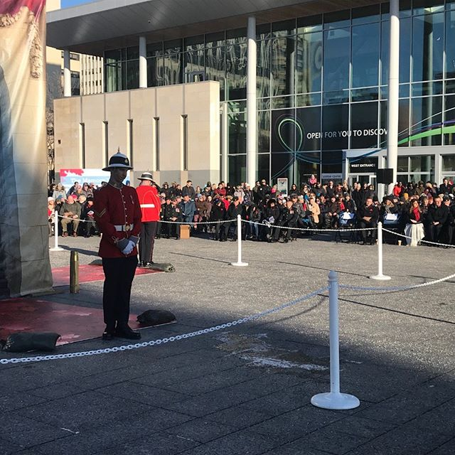 Today, at #ableg Capital Plaza, a crowd assembled to commemorate the end of #WW1 with #armistice100yeg  #weremember #armistice #WWI #canadaremembers #canada #veterans #remembrance #remembranceday #history #lestweforget
