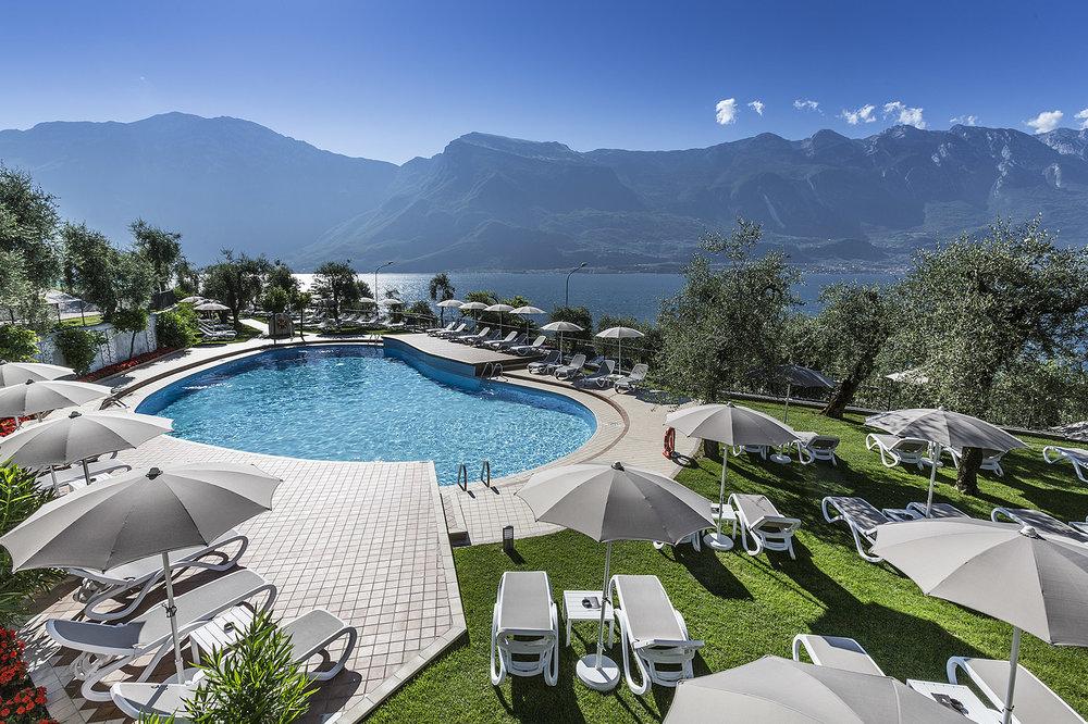 limone_sul_garda_hotel_atilius_piscina500.jpg