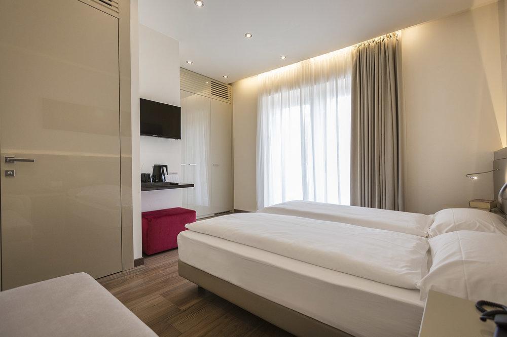 hotel_atilius_limone_camera_doppia_vista_lago_con_giardino218.jpg