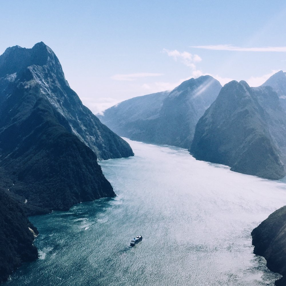 milford sound in all its glory <3