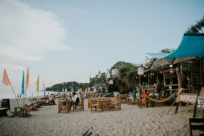 the beaches come alive at night with loads of restaurants and bars