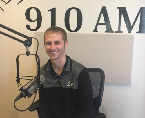 "Vera Aqua Vera Vita Executive Director Visits Again with KATH 910AM - 2018-11-16 | Dallas,Texas — Vera Aqua Vera Vita (VAVV) Founder & Executive Director Jacob Niemeier returned to Guadalupe Radio Network KATH 910AM in Dallas, Texas, on Oct. 16th, 2018 and was interviewed by local Catholic radio legend, Dave Palmer.In the interview, Niemeier rehashed for new listeners the mission of Vera Aqua Vera Vita and how he was called to start this non-profit organization. In addition, he also spoke about the fruits of consecrating VAVV to the Immaculate Heart of Mary and the Sacred Heart of Jesus.Palmer asked about the results of the VAVV Inaugural Event, ""A Evening At A Speakeasy"" which was on Oct. 13, 2018. Niemeier shared with Dave the success of the event with 125 tickets sold and over $5000 raised for the 2nd phase of their work in Monte Castillo, Peru.Niemeier went on to share about the holiday campaigns VAVV has going on right now and their vision for 2019 and beyond!"