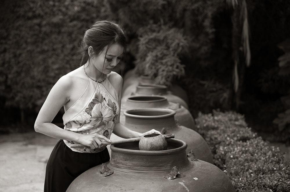 Model : Cindy Le