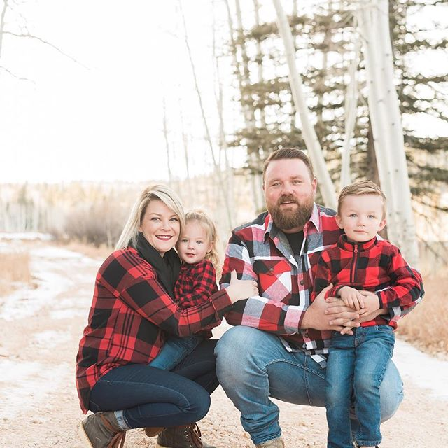 Happy Sunday everyone! I have been needing to share this gorgeous family on my feed, they were so fun and I'm so glad they found me! Looking forward to working with them for years to come! . . . #lookslikefilm #bleachmyfilm #visualauthority #justgoshoot #agameoftones #createcommune #thecreatorclass #illgrammers #killeverygram #fatalframes #discoverportrait #portraits_ig #instadaily #webstagram #bestofday #thatsdarling #thehappynow #flashesofdelight #southernutahphotographer #southernutahphotographer #utahphotographer #destinationphotographer #weddingphotographer #mastin #digitalphotography #travellingthroughtheworld #liveadventurously #dreambig #photographylover #utah