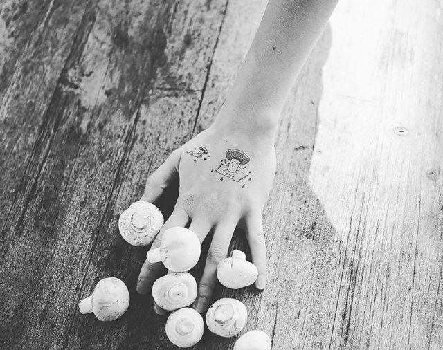 Mushrooms #temporarytattoo #newtattoo #fashion #trend #mushrooms #illustration #skin #skindrawing #wood #blackandwhite