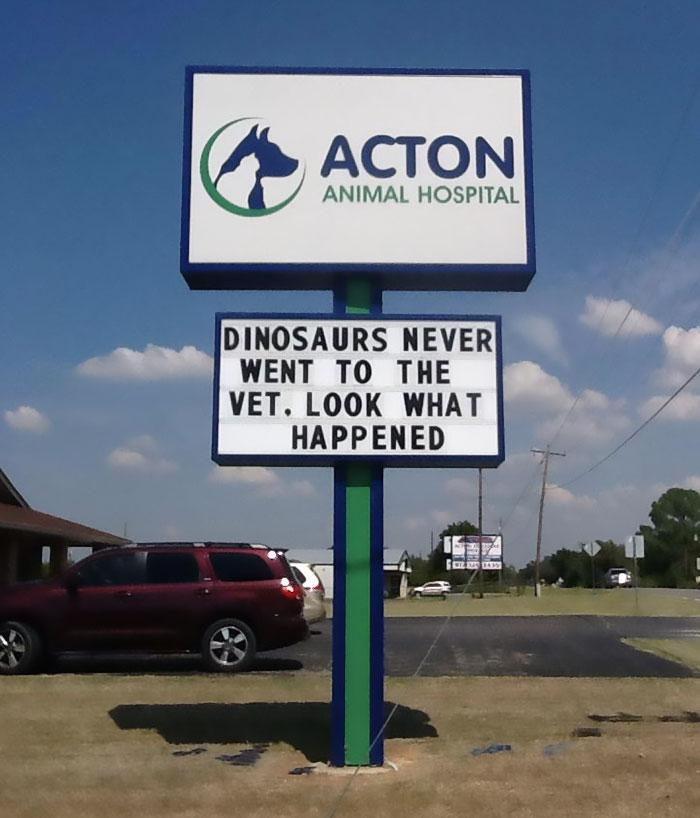 funny-veterinarian-signs-59ae50ee1d493__700.jpg