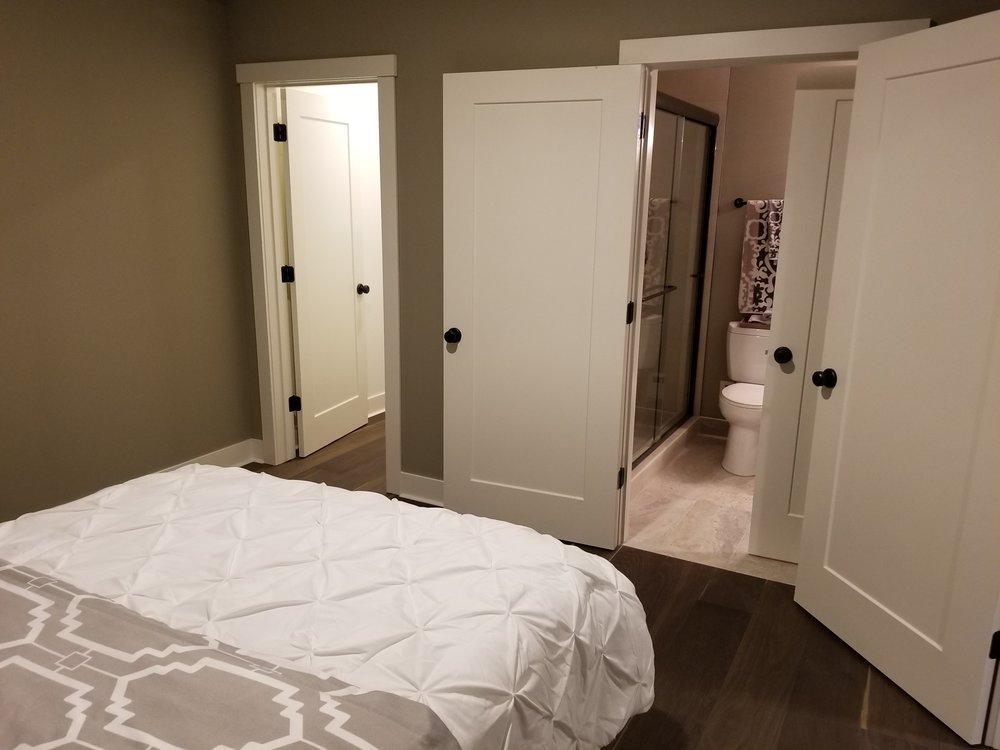 K 504 bath closet.jpg