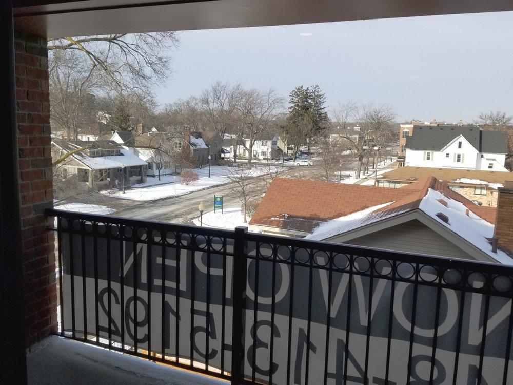 K 504 veranda.jpg
