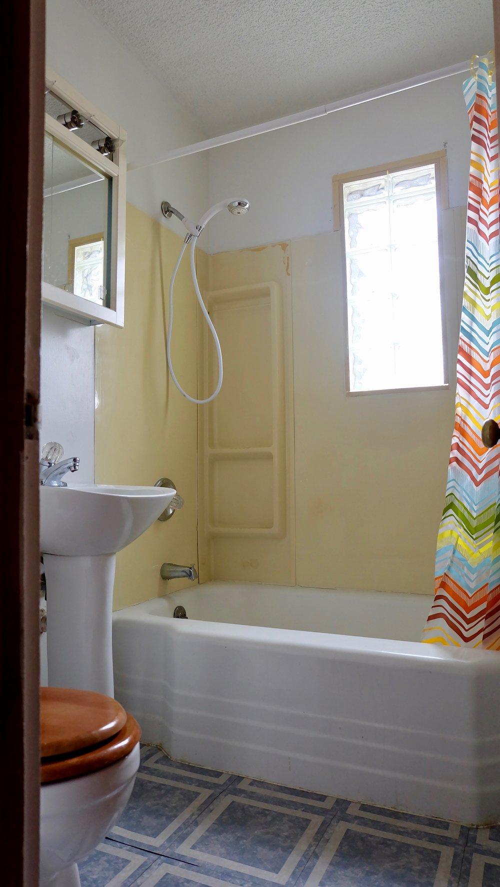 oldbathroom1.jpg