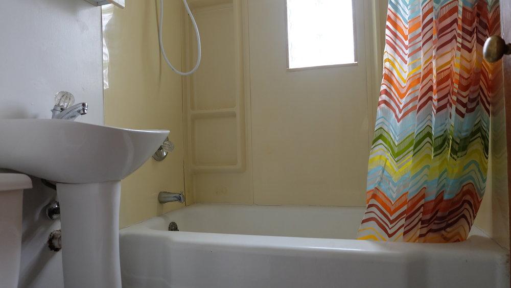 oldbathroom2.jpg