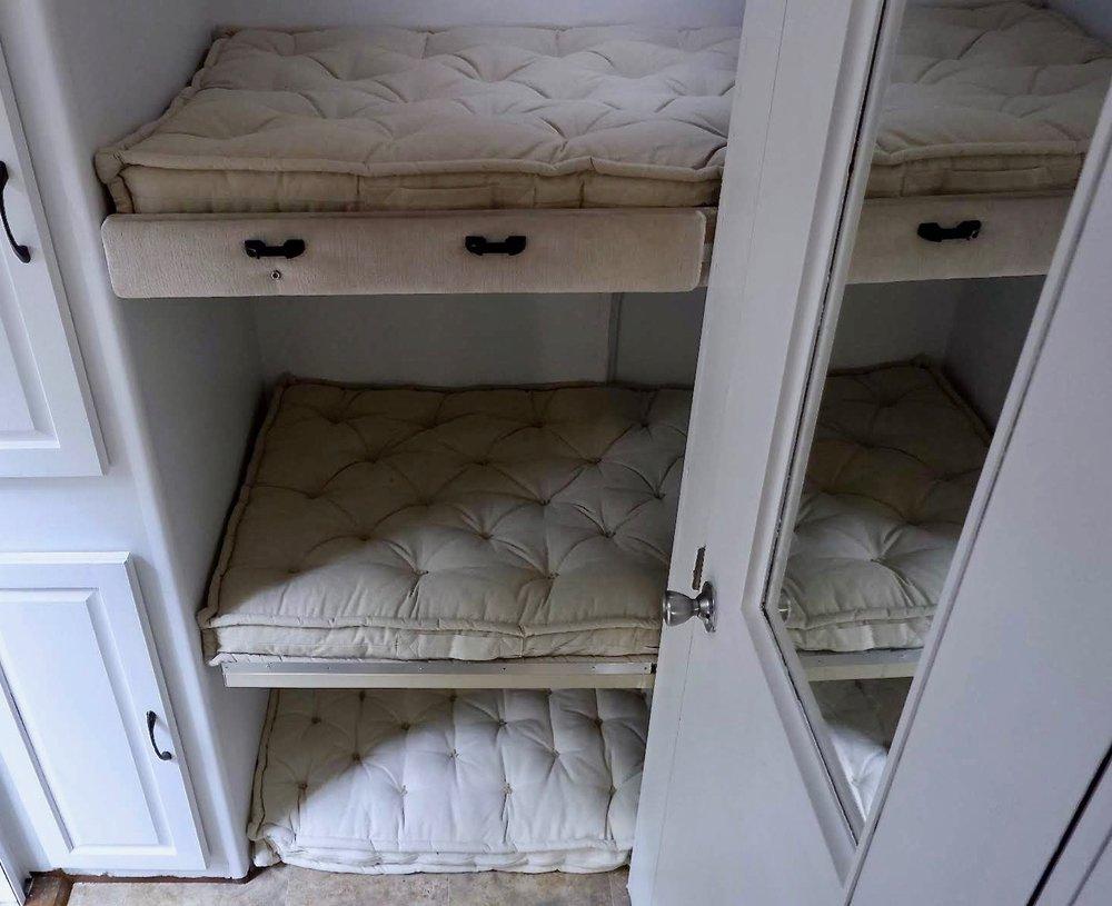 bunks1.jpg