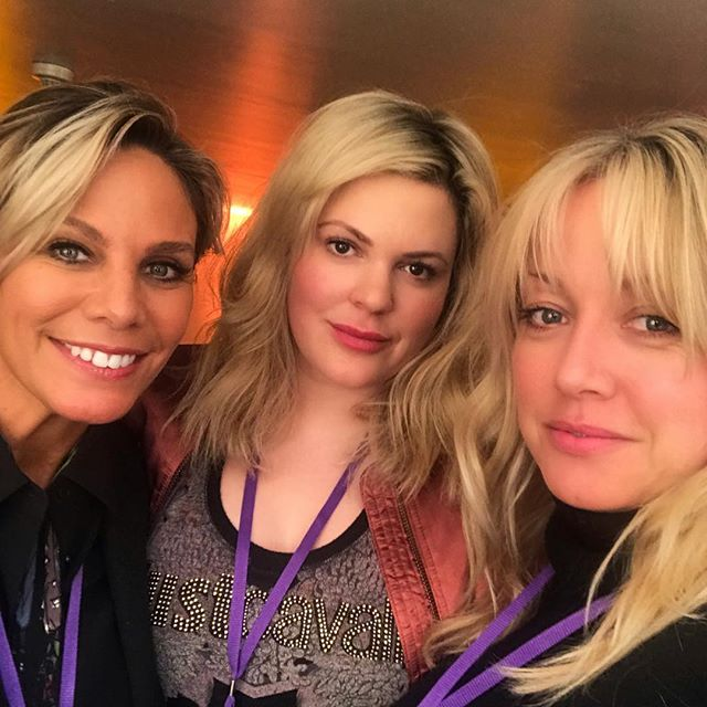 I'm happier than I look! With these two beauties - backstage ahead of the #bohemianrhapsody premier - the calm before the storm - the most amazing atmosphere 👌🏻