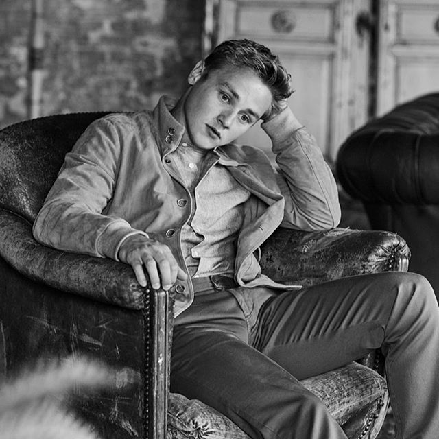 Something for the weekend .... If you haven't seen it, you must - @bohemianrhapsodymovie is beyond incredible 🎵 and a perfect weekend indulgence 👏 So grab your tickets and some popcorn 🍿  Shoot with @benhardy1  #grooming  Photographer @johnrussophoto  direction @debsberry styling @gracegilfeather