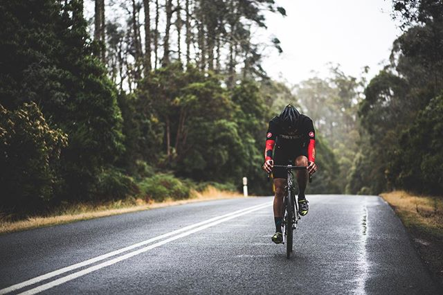 The Pain is temporary but the longing for open roads stays with you always.  #forthosewhosufferweride #takethatcancer👊 #firefliescc #firefliestour #firefliesantipodes #tasmania #vandiemansland #fireflybicycles #outsideisfree #roadslikethese #brontepark #tarraleah . . 📸 @international_roast