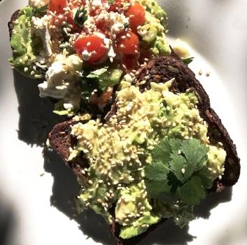 smashed-avocado-toast
