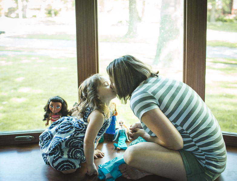 Northwest Indiana Lifestyle Newborn Family Session, Home Session, Natural Light, Laura Duggleby Photography-34.JPG