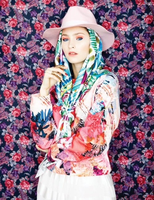 Uncoloured-Photographed-by-Pooya-Nabei-Styled-by-Ghazal-Elhaei2-copy-3_1070x1320.jpg