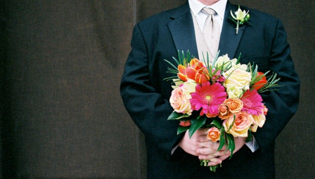 Make sure you capture that beautiful bouquet on film!  |  Photo[robinjohnsonphoto.com]