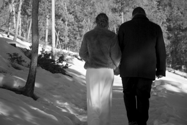 { REAL MOUNTAIN WEDDING } Q&A w/ Nicole + Garri: A Winter Wedding at Sapphire Point near Breckenridge, Colorado.  |  photo[zanderography.com]