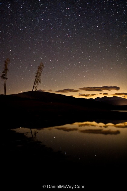 Star-filled sky near Dillon Reservoir in the Rocky Mountains of Summit County, Colorado.  |  photo[danielmcvey.com]