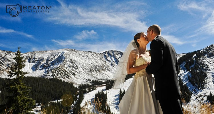 { REAL MOUNTAIN WEDDING } Allison + Mark at Warren Station in Keystone, Colorado.  Pre-wedding photo shoot at Arapahoe Basin.  |  photo[beatonphotography.com]