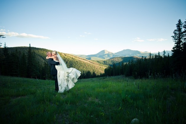 { REAL MOUNTAIN WEDDING } Sarah + Scott at Timber Ridge in Keystone, Colorado  |   photo[revertphoto.com] Keystone Wedding Photographer