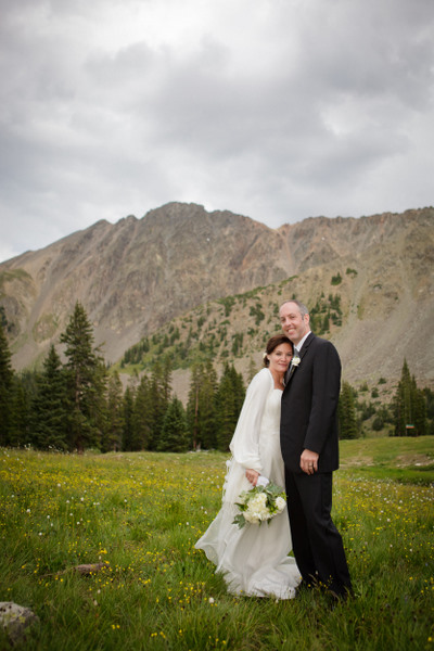 { Real Mountain Wedding } Jessica + David: Black Mountain Lodge // Joe Kusumoto Photography, Joe Kusumoto, Arapahoe Basin, Colorado, A-Basin, The Basin, The Beach, Beachin' at the basin