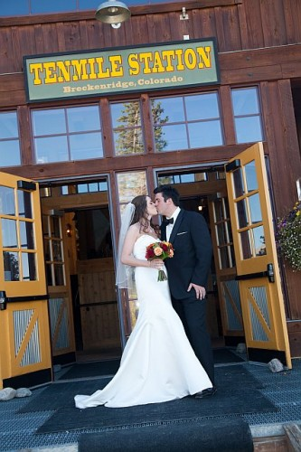 { Real Mountain Wedding } Q & A: Christy + Gabriel at Ten Mile Station in Breckenridge, CO  |  photo[fineart-weddings.com]  Ten Mile Station, Breckenridge Wedding Planners, Breckenridge Wedding Venue, Colorado Wedding Blog, Breckenridge florist