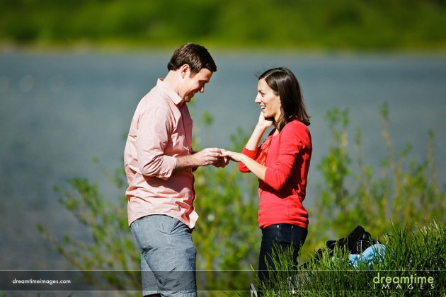 |  photo[dreamtimeimages.com]  Rocky Mountains, Maroon Bells, engagement, proposal, photography, Colorado Wedding Blog