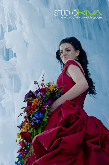 [ Vendor ] Studio Kiva Photography // Winter Wedding Photo Shoots at the Ice Castles In Silverthorne: Part One | studiokivawedding.com