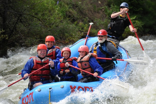[ How To ] Plan a Rafting Trip on the Colorado River for your Wedding Party
