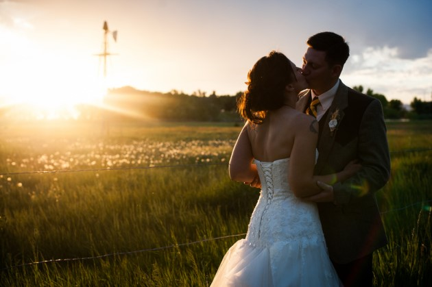 Amy + Aaron at the Stillroven Farm: Berthoud Colorado | Images courtesy of Stark Bellamy Photography