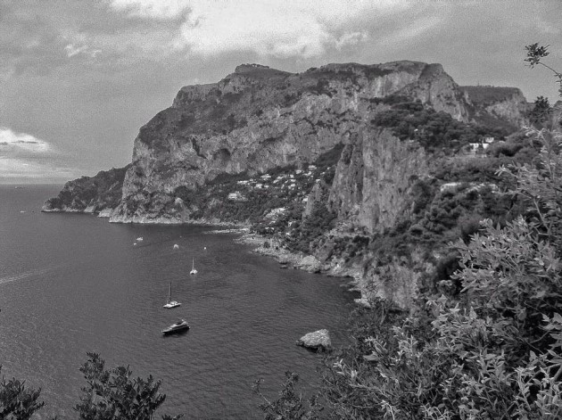 Hiking the Amalfi Coast: Honeymoon in Capri, Italy