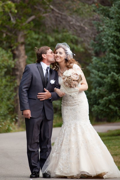 Melissa + Dustin: Colorado Mountain Wedding at the Silverthorne Pavilion | Images courtesy of Narrative Imagery