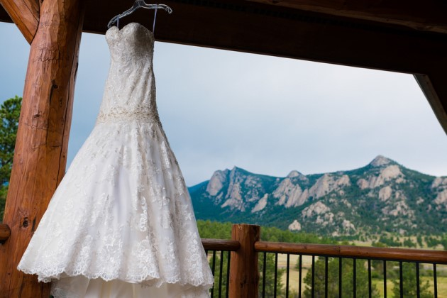 Amanda + Justin: Estes Park Wedding at the Black Canyon Inn, Colorado | Image: James Moro Photography