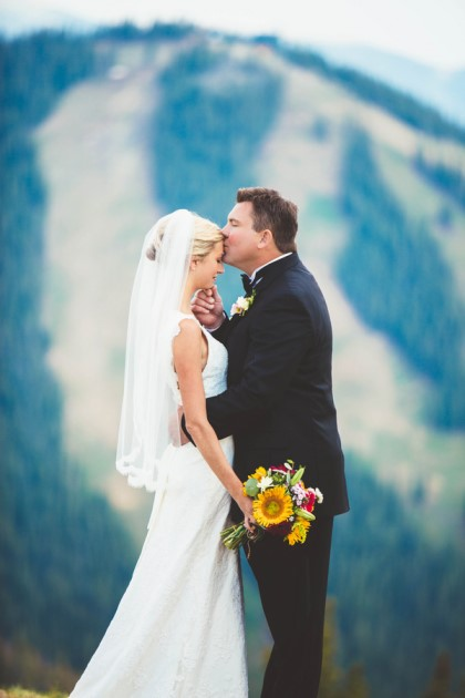 Elizabeth + Scott: Keystone Wedding at the Alpenglow Stube | Image: Erin L. Taylor Photography