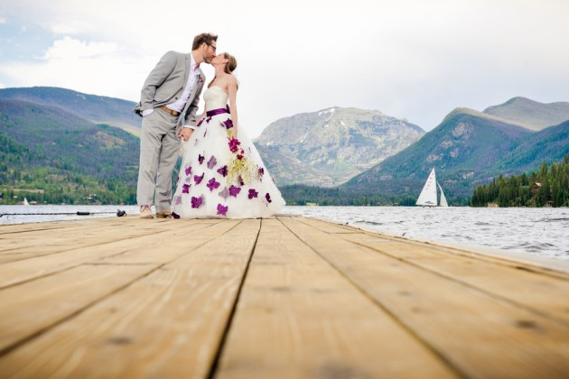 Lisa + Matt: Grand Lake Lodge Wedding in Rocky Mountain National Park, Colorado | Image: Elevate Photography