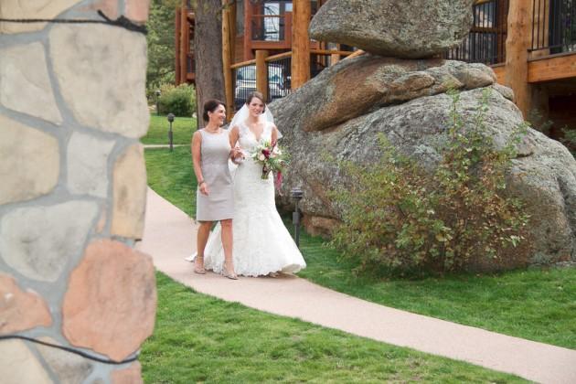 Natalie + Chris: Colorado Wedding at the Black Canyon Inn | Image: Mollie Tobias Photography