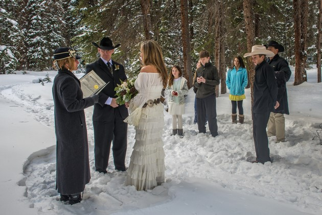 Shannon + Sandy: Winter Wedding Elopement in Breckenridge, Colorado | Image: Carl Scofield Photography