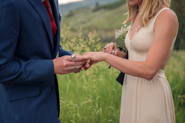 Natalie + Sean: Colorado Elopement in Steamboat Springs | Image: Kari Geha Photography