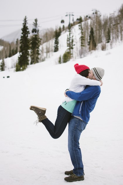 Laura + Sean: Colorado Winter Engagement in the Vail Village | Image: amanda.matilda.photography