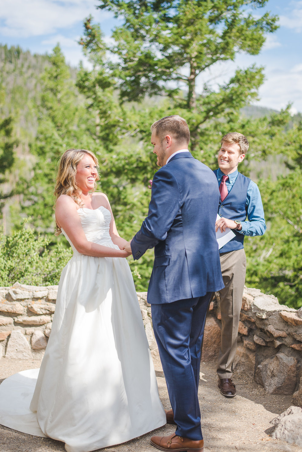colorado bride and groom small wedding by lake dillon | summit mountain weddings