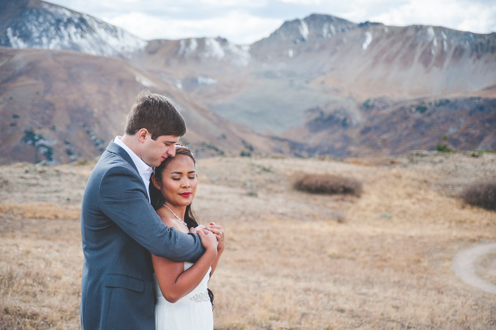 aspen colorado intimate elopement at independence pass | summit mountain weddings