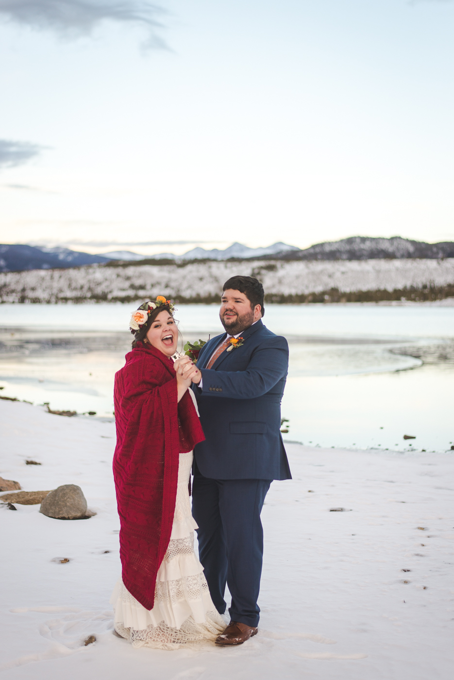 Colorado winter elopement ceremony by the lake | Summit Mountain Weddings