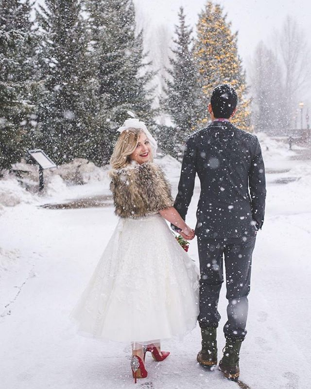 Yep. I'll never get over this beautiful afternoon with these beautiful people. The amount of snow that fell was equal to the amount of tangible joy & love these two emitted! {it snowed *a lot!*} ⠀ .⠀ I know not everybody is always up for standing outside in a huge snowstorm. But these two didn't stop smiling, crying {happy tears} and giggling the whole entire time. And for good reason - they got married!