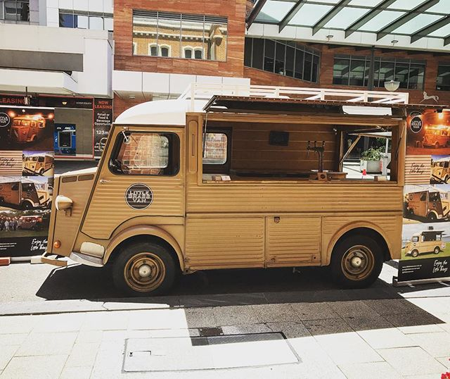 The Little Brass Van is out and about making some new friends with Perth. Down at the Vintage Bridal Fair which has been a great day so far. The sun is shining and the people are smiling @vintagebridemag @littlebrassvan #vintagebridemag #perthisok