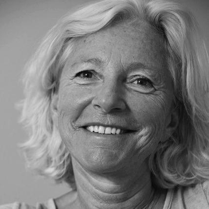 Valérie Gauthier - Professeur à HEC Paris et conseil en entreprise, elle pratique et partage le savoir-relier, concept et marque qu'elle a créés en 2008. Sa vocation: Créer du sens et accompagner la croissance et le changement en fédérant des relations entre les individus au delà des clivages et des tensions.Son site