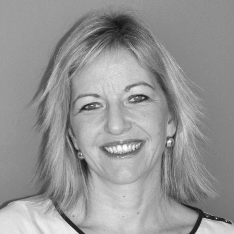 Sophie Ronceray - Executive coach certifée HEC – Horse Coach – Consultante en évolution professionnelle - Accompagnement individuel et collectif des managers et des équipes - Thèmes de prédilection : connaissance de soi et efficacité relationnelle / management / leadership / cohésion d'équipeSon site