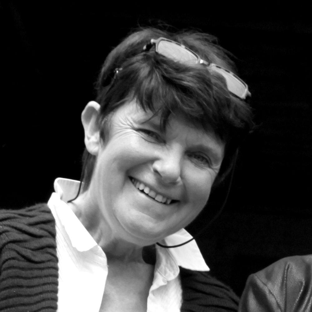 Françoise Ferchat - Créatrice d'Ipsae Coaching  Enseignante en équitation relationnelle et américaine, spécialiste de la relation homme/cheval. Co créatrice du programme PEGASEMOTION en partenariat avec une psychologue spécialisée. Cadre formatrice au sein d'enseignes nationales.Son site