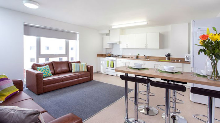 Lounge in Rosedale Court